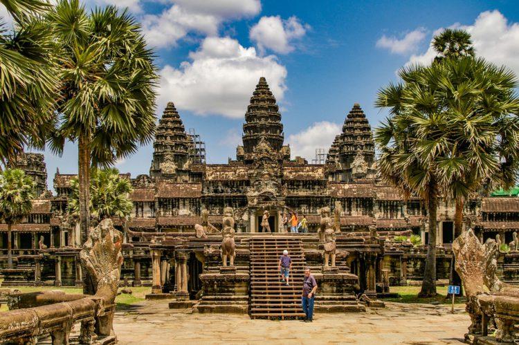 Самые красивые места планеты - гигантский храмовый комплекс Ангкор-Ват, Камбоджа