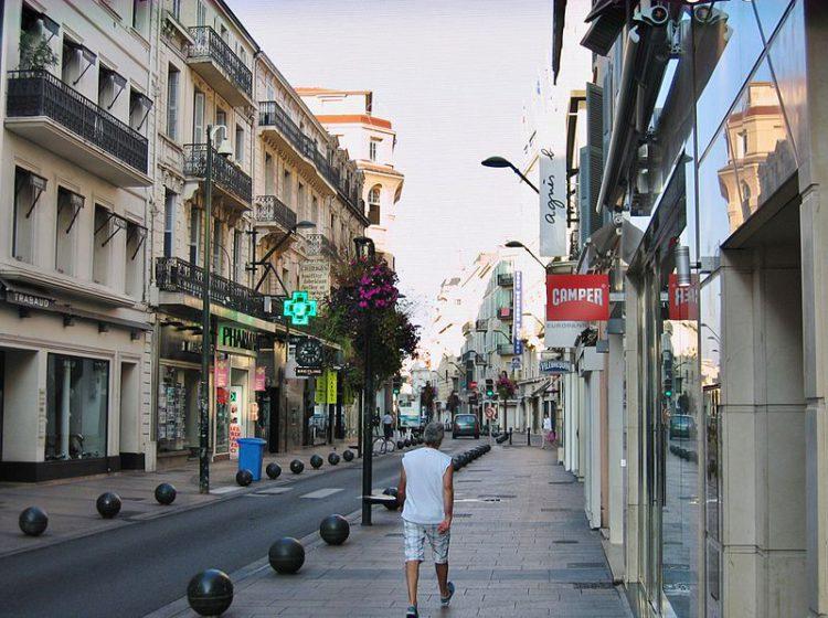 Улица Антиб - достопримечательности Канн