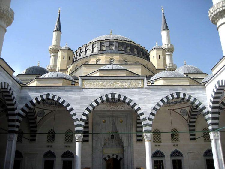 Мечеть Эртогрулгазы - достопримечательности Туркмении