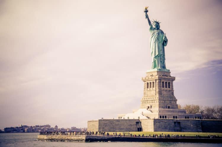 Статуя Свободы - достопримечательности Нью-Йорка