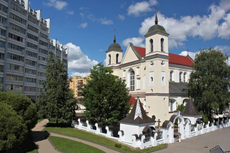 Собор Святых Апостолов Петра и Павла - достопримечательности Минска