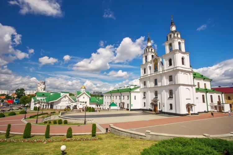 Кафедральный собор Сошествия Святого Духа - достопримечательности Минска