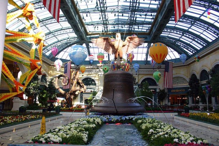 Консерватория и ботанический сад в Белладжио - достопримечательности Лас-Вегаса