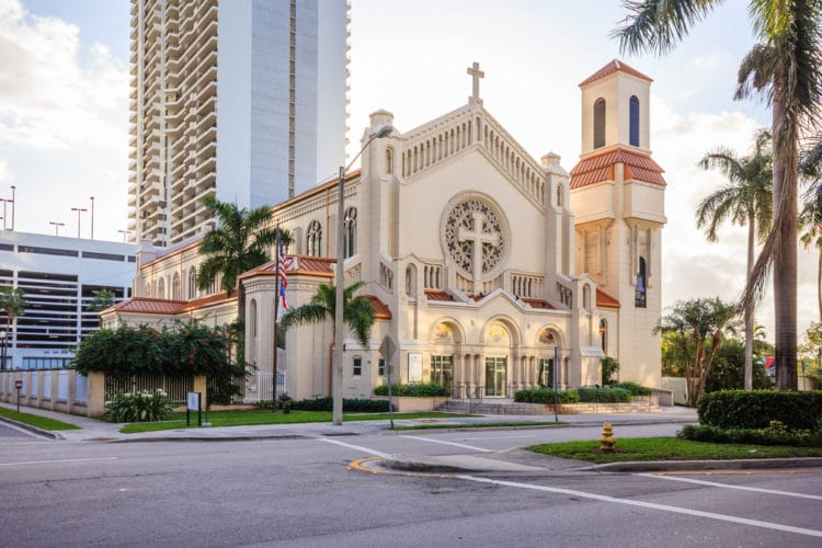 Епископский собор Святой Троицы - достопримечательности Майами