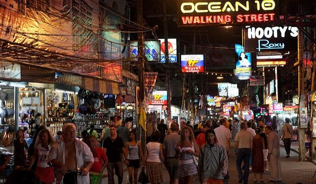 Уокинг-стрит - достопримечательности Паттайи