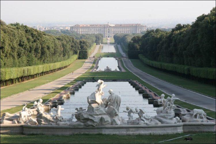 Королевский дворец в Казерте - достопримечательности Неаполя
