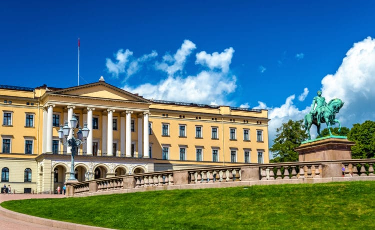 Королевский дворец - достопримечательности Осло