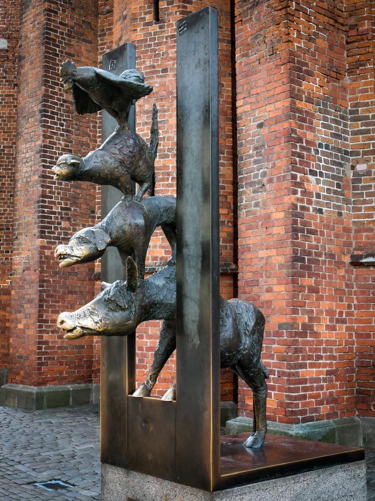 Памятник «Бременские музыканты» - достопримечательности Риги