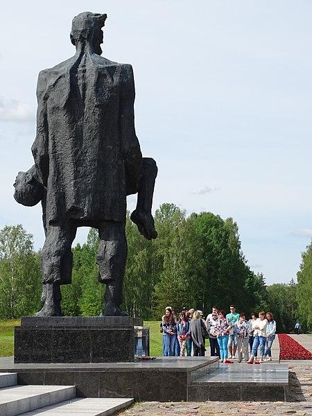 Мемориальный комплекс Хатынь - достопримечательности Минска