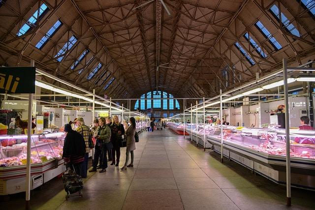 Центральный рынок Риги - достопримечательности Риги