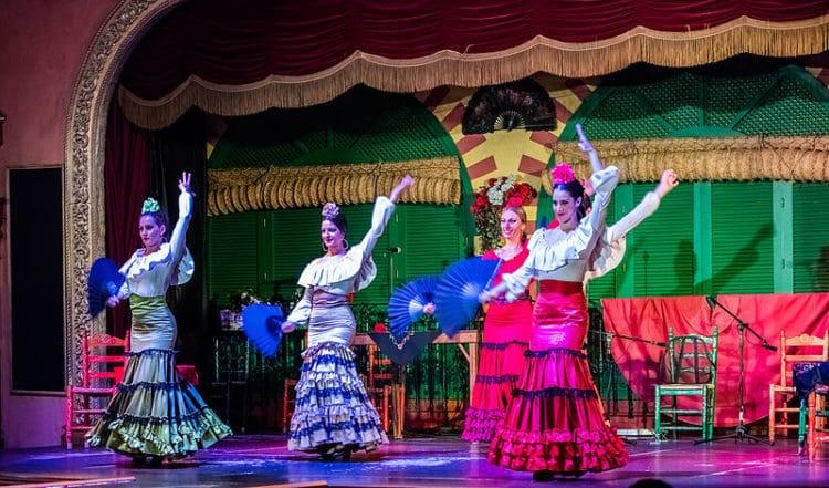 Танец Фламенко - достопримечательности Севильи