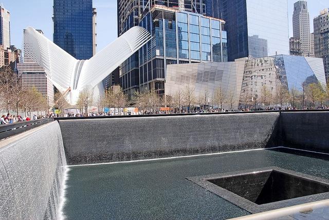 Мемориал 9/11 - достопримечательности Нью-Йорка