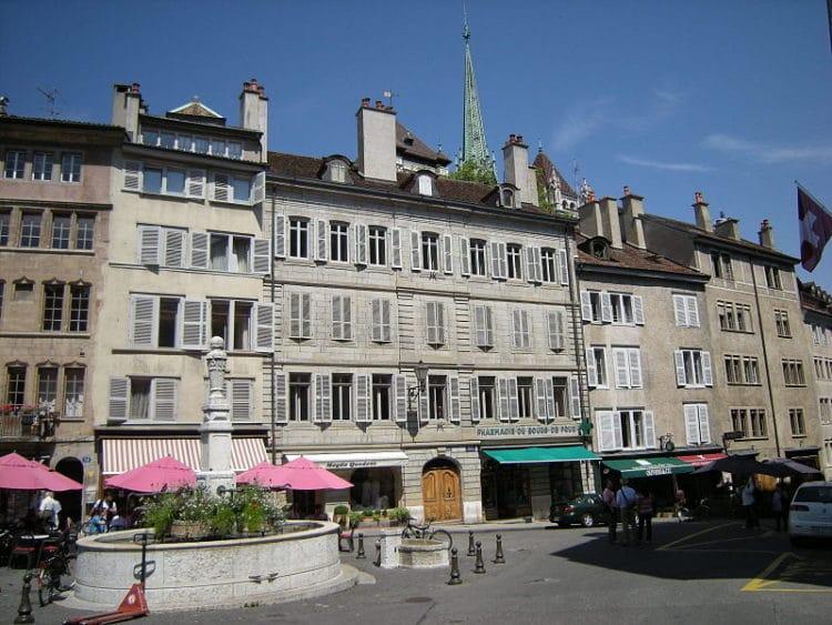 Площадь Бург-де-Фур - достопримечательности Женевы