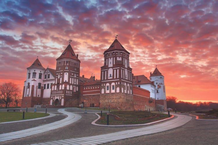 Мирский замок - Что посмотреть в Минске