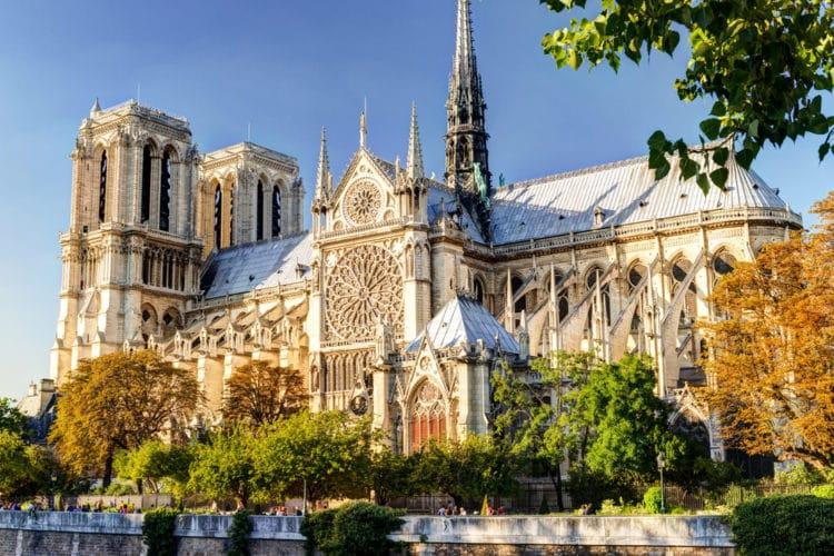 Собор Парижской Богоматери - достопримечательности Парижа