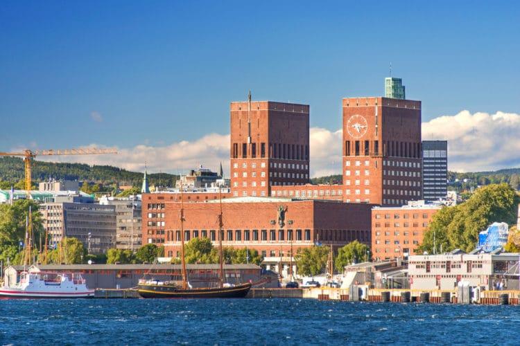 Ратуша - достопримечательности Осло