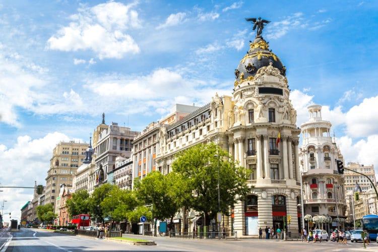 Улица Гран-Виа - достопримечательности Мадрида