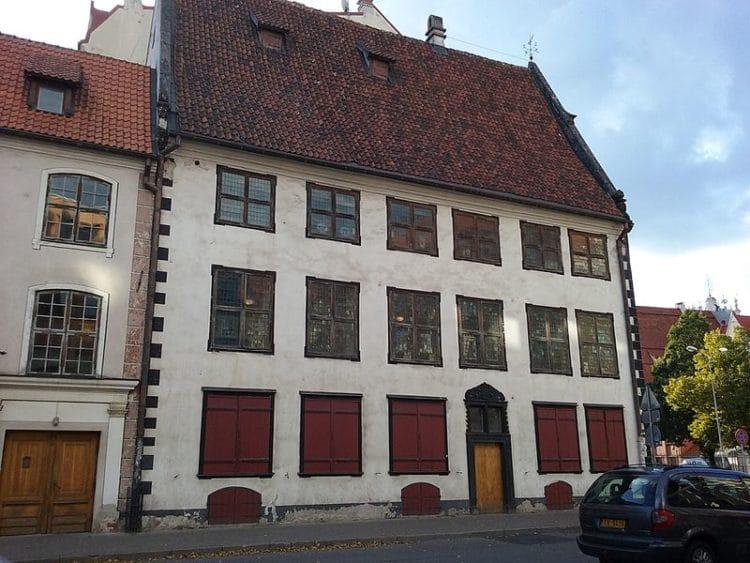 Дом Менцендорфа - достопримечательности Риги