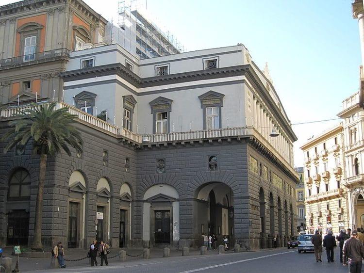 Оперный театр Сан-Карло - достопримечательности Неаполя