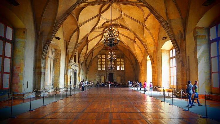 Старый королевский дворец - достопримечательности Праги