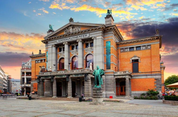 Норвежский национальный театр - достопримечательности Осло