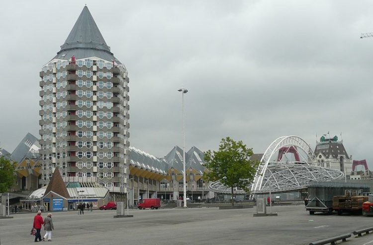 Дом-карандаш - достопримечательности Роттердама