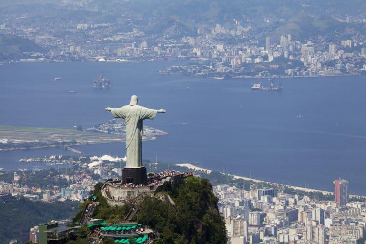 Статуя Христа Искупителя - достопримечательности Рио-де Жанейро