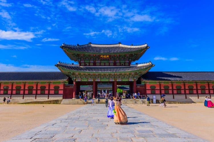 Дворец Кёнбоккун - достопримечательности Сеула