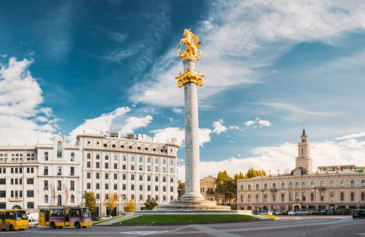 Площадь и памятник Свободы - достопримечательности Тбилиси
