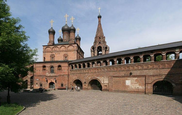 Крутицкое подворье - достопримечательности Москвы
