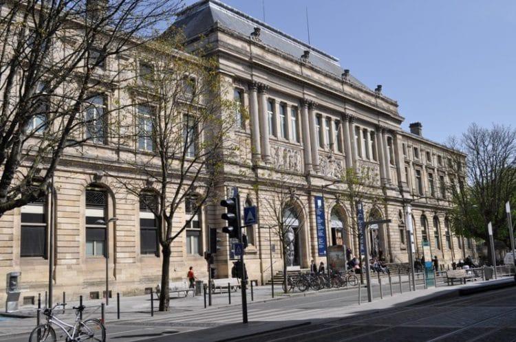 Музей Аквитании - достопримечательности Бордо