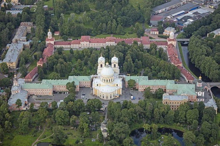 Александро-Невская лавра - достопримечательности Санкт-Петербурга