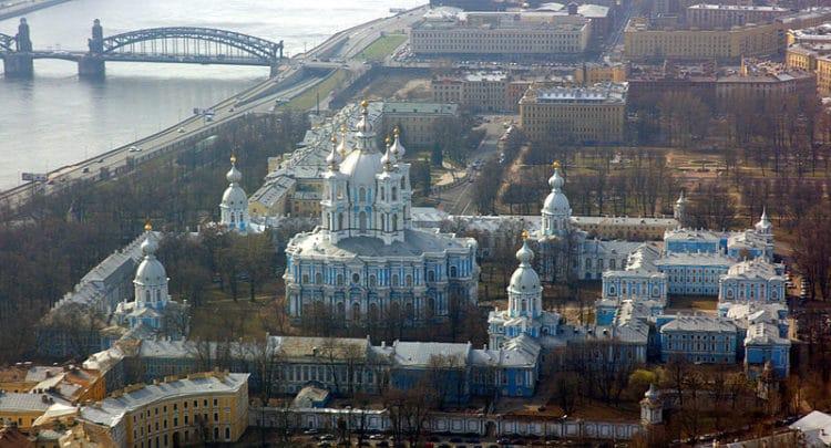 Смольный монастырь - достопримечательности Санкт-Петербурга