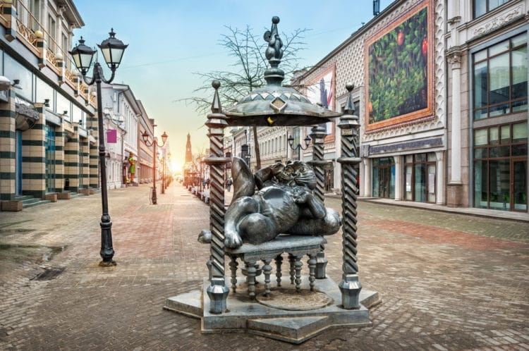 Памятник Коту Казанскому - достопримечательности Казани