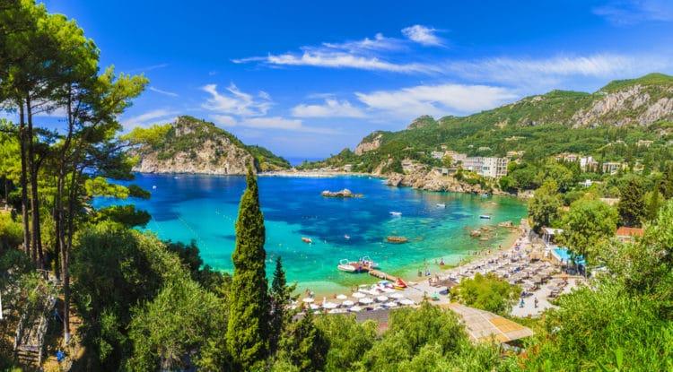 Пляж Палеокастрица - достопримечательности Корфу