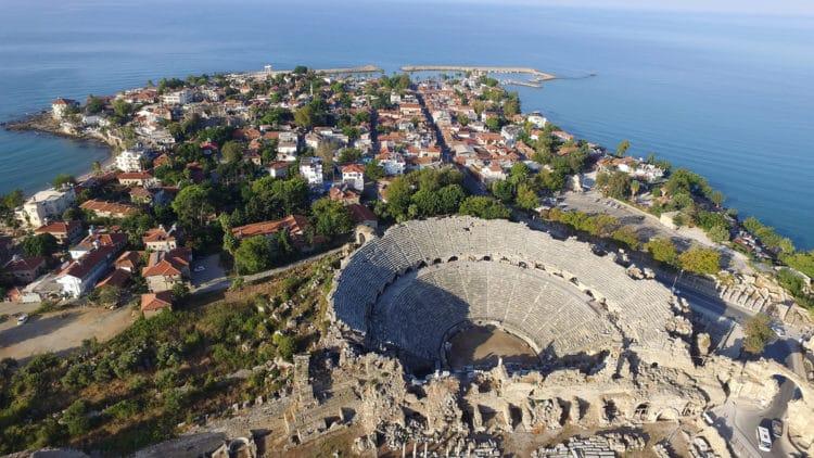Античный амфитеатр - достопримечательности Сиде
