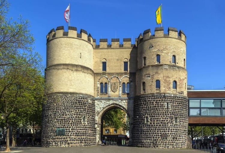 Ворота Ханенторбург - достопримечательности Кёльна
