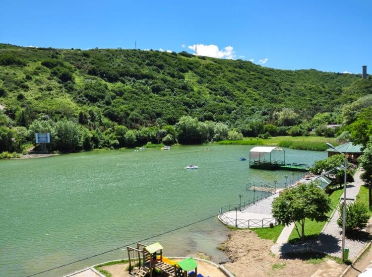Черепашье озеро - достопримечательности Тбилиси