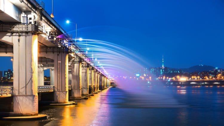 Мост «Фонтан радуги» - достопримечательности Сеула