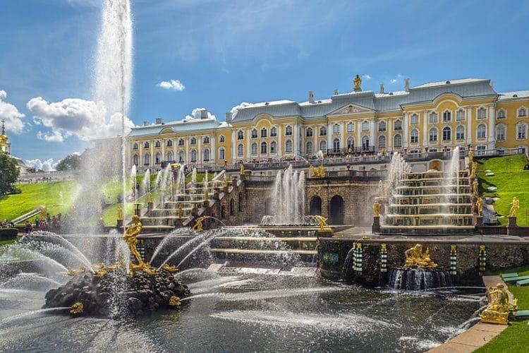 Петергоф - достопримечательности Санкт-Петербурга