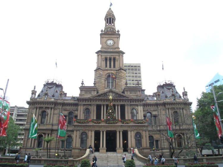 Здание Сиднейской ратуши - достопримечательности Сиднея