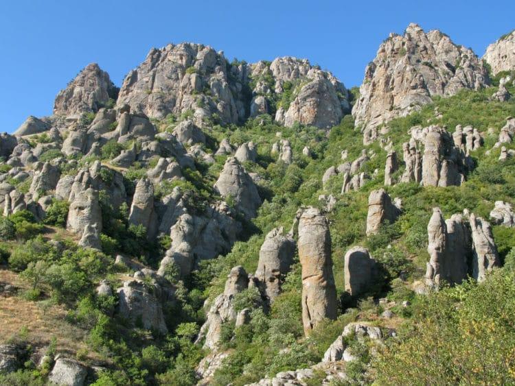 Долина привидений - достопримечательности Крыма