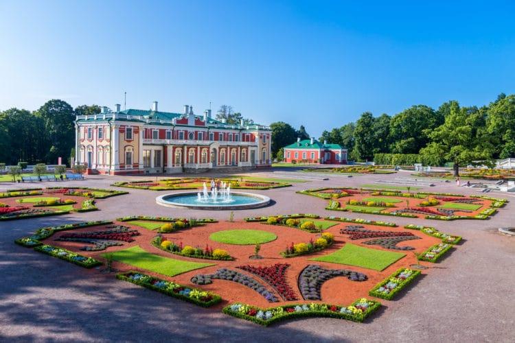 Дворцово-парковый ансамбль Кадриорг - достопримечательности Таллина