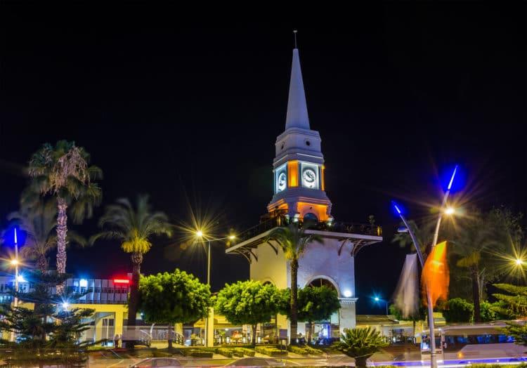 Часовая башня - достопримечательности Кемера