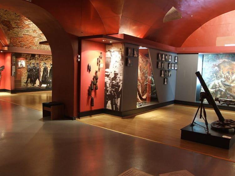 Музей обороны Брестской крепости - достопримечательности Бреста