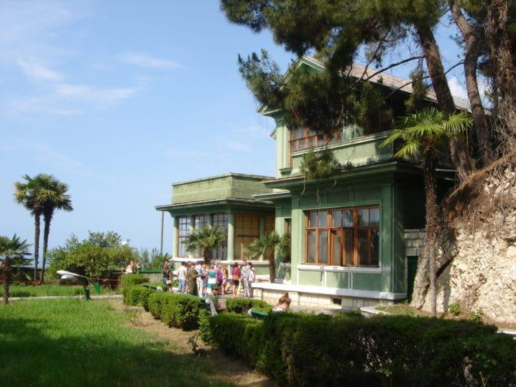 Дом-музей «Дача Сталина» - достопримечательности Сочи