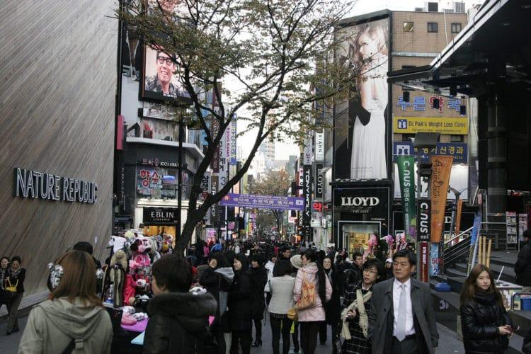 Торговый квартал Мёндон - достопримечательности Сеула