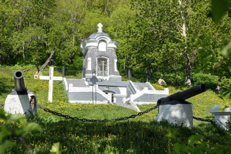 Никольская сопка и памятники обороны 1854 года - достопримечательности Камчатки