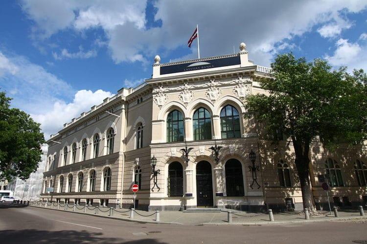 Экспозиция «Мир денег» - достопримечательности Риги