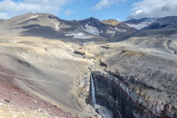 Вилючинский водопад - достопримечательности Камчатки